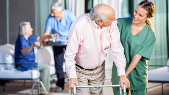 day at the nursing home I am so curious about various areas of nursing what is a typical day in hospice (nursing) like thanks.