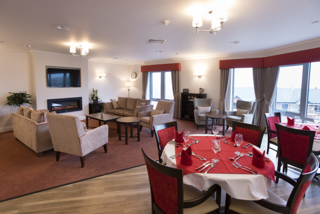 The opening of Cedar Mews Care Home in Birstall, Leicester.    Photograph by Martin Neeves Photography & Film - www.martinneeves.com - Tel: +44 (0)7973 638591 - E-mail: martinneeves@googlemail.com