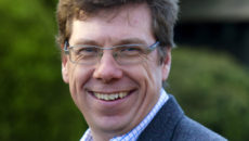 Dr Stephen Tomkins
